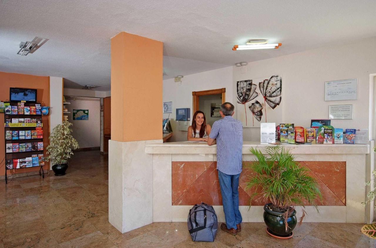 Recepción - Apartamentos Doramar