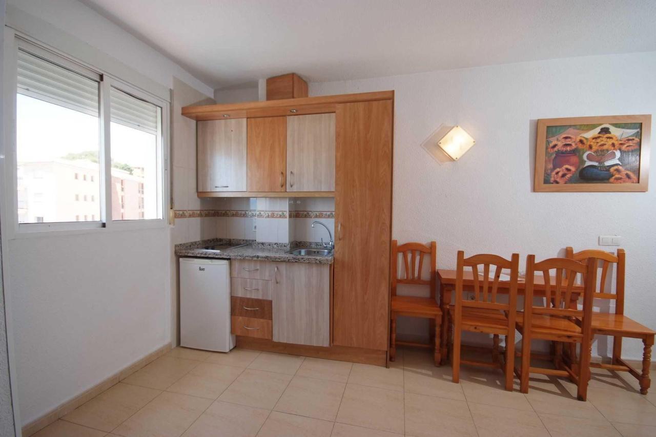Cocina comedor - Apartamentos Doramar