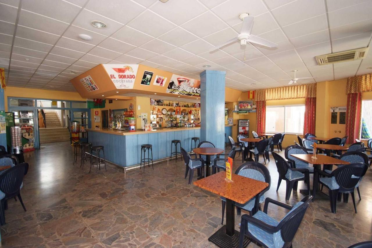 Interior del bar - Apartamentos Doramar